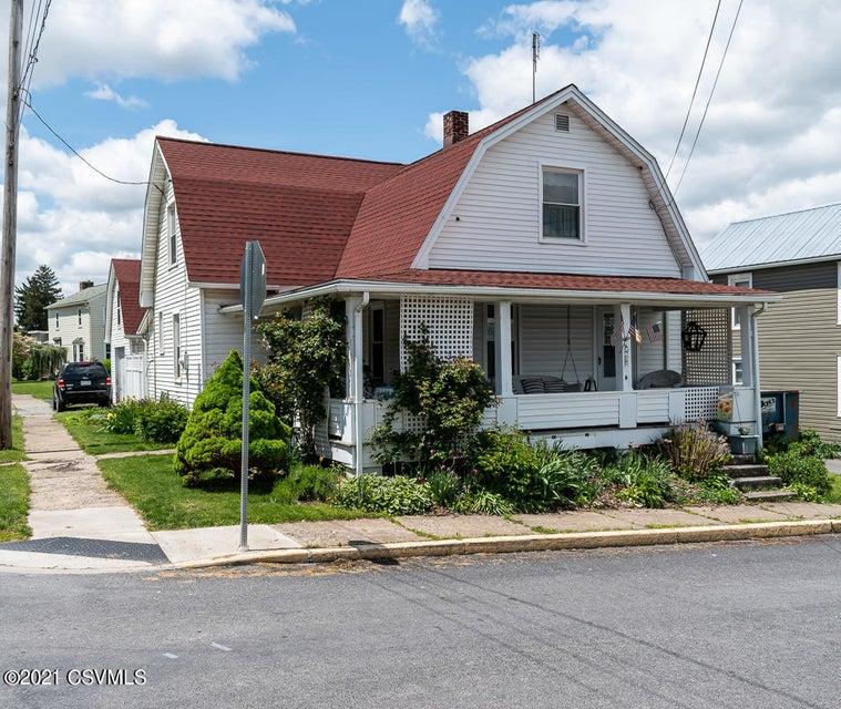 200 MAPLE Street, Mifflinburg, PA 17844