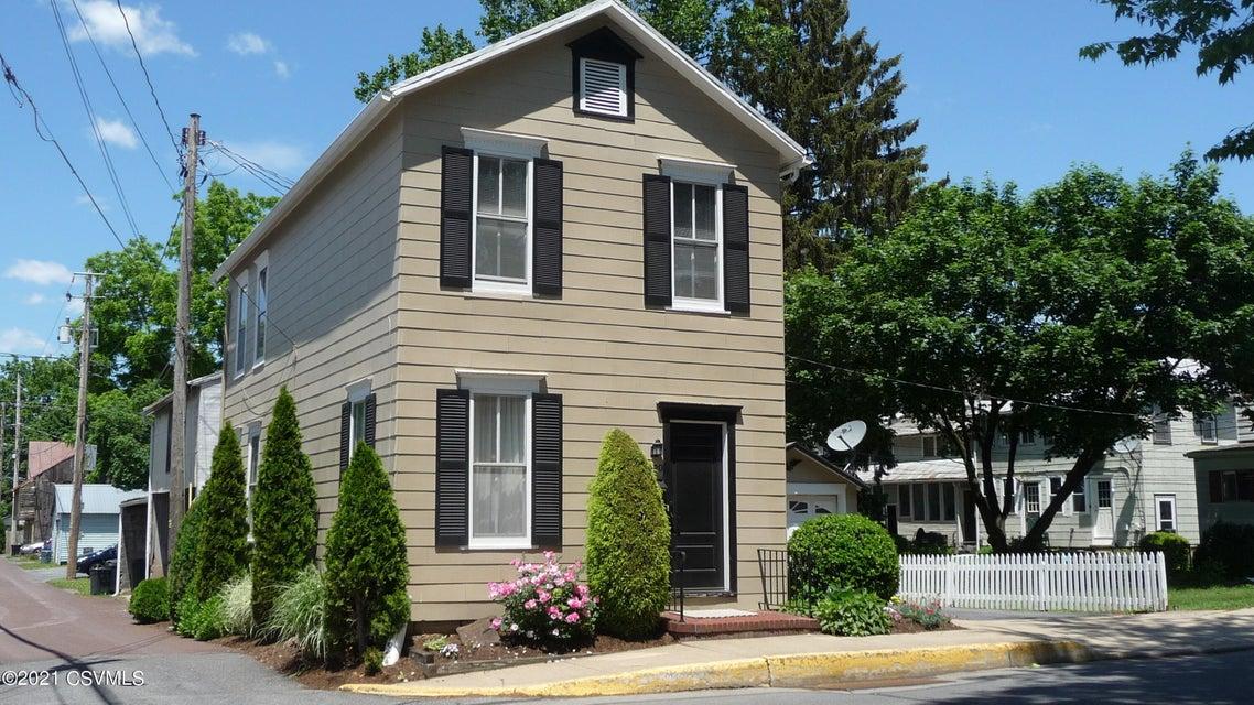 420 ST JOHN Street, Lewisburg, PA 17837