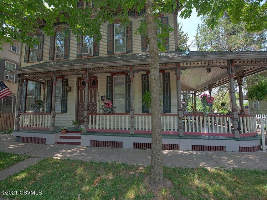 526 MARKET Street, Mifflinburg, PA 17844