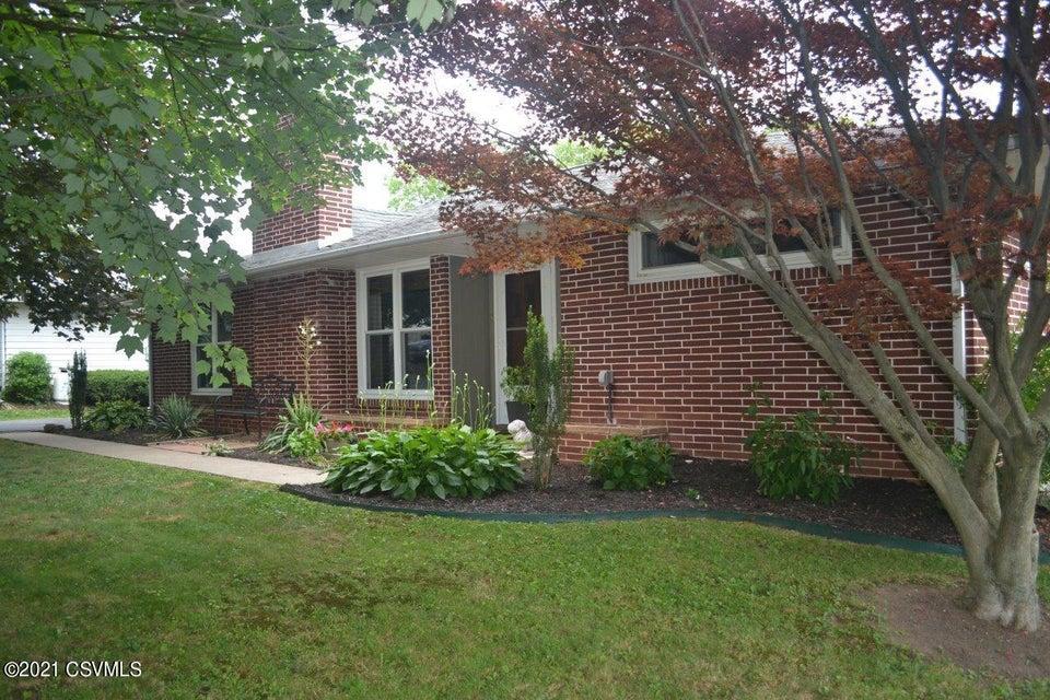 618 PENNSYLVANIA Street, Lewisburg, PA 17837