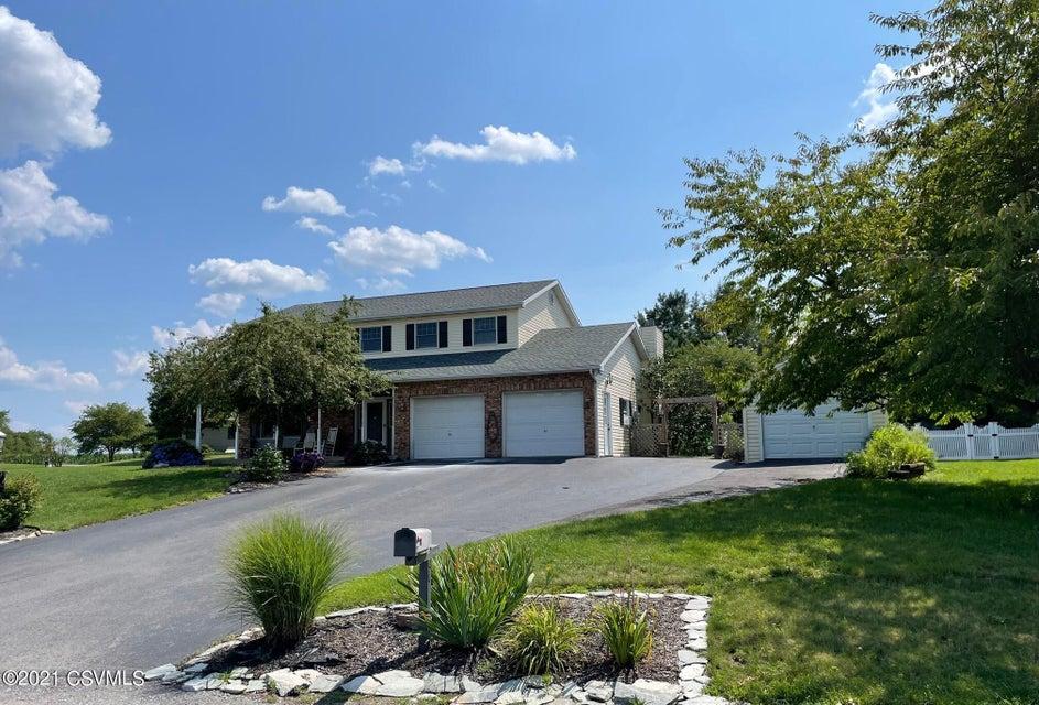 105 PEACHWOOD Drive, Lewisburg, PA 17837