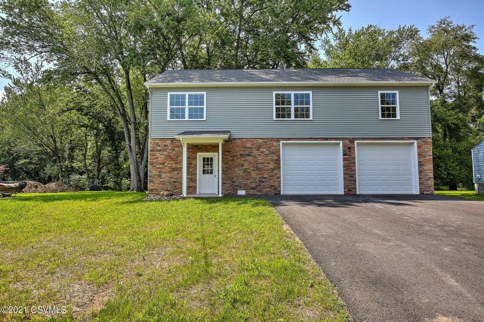 416 RIVER Road, Selinsgrove, PA 17870