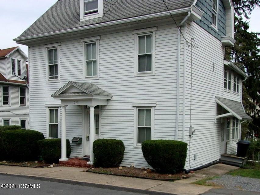 221 WALNUT Street, Milton, PA 17847