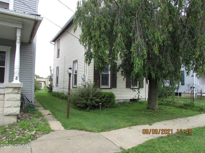 1808 W MARKET Street, Lewisburg, PA 17837