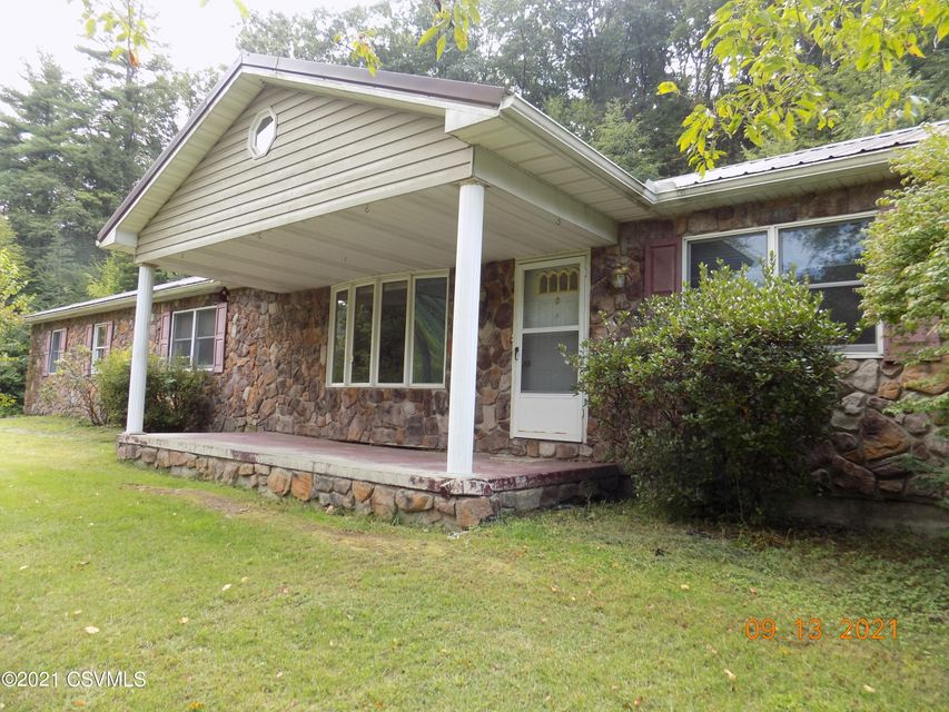 1631 W HOLLOW Road, Middleburg, PA 17842