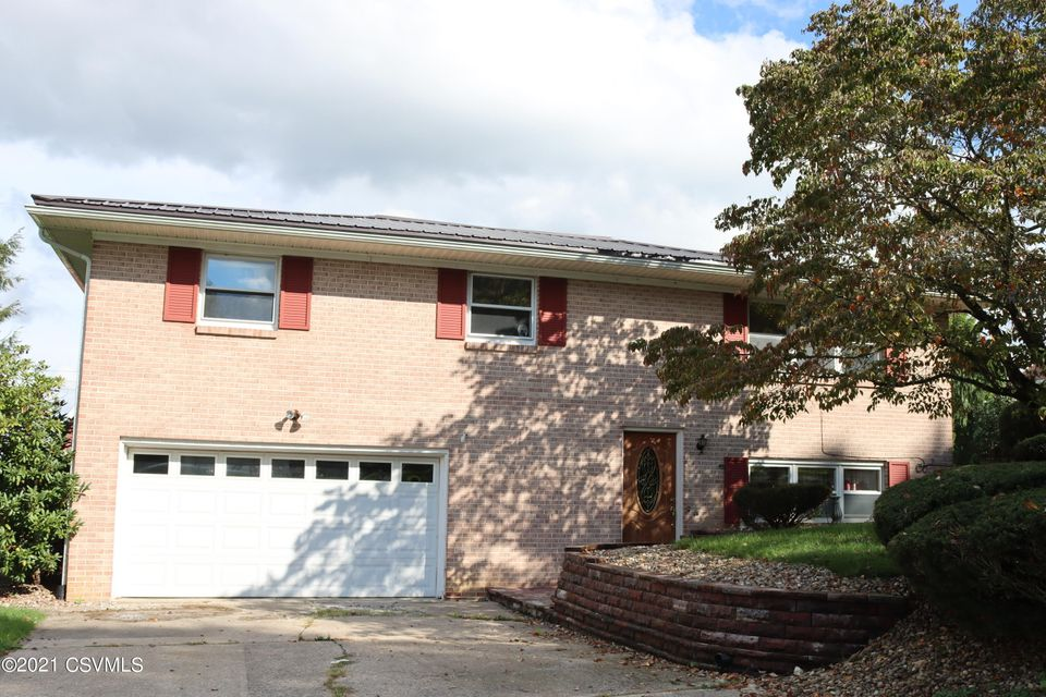 177 FAIRSOM Court, Lewisburg, PA 17837