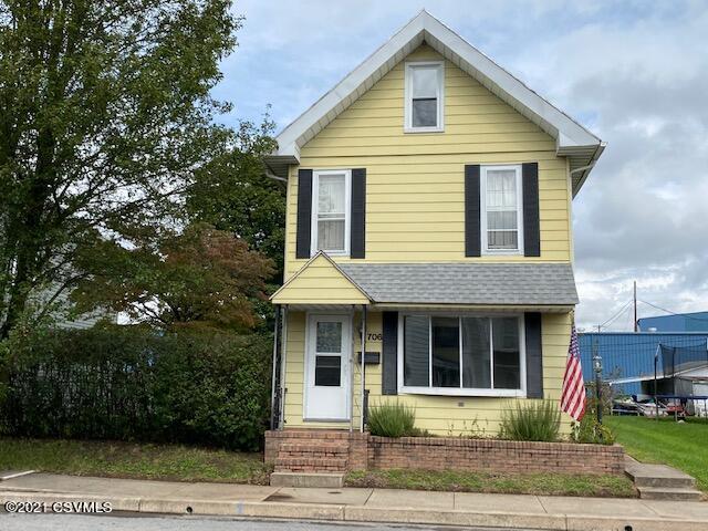 706 ASH Street, Watsontown, PA 17777