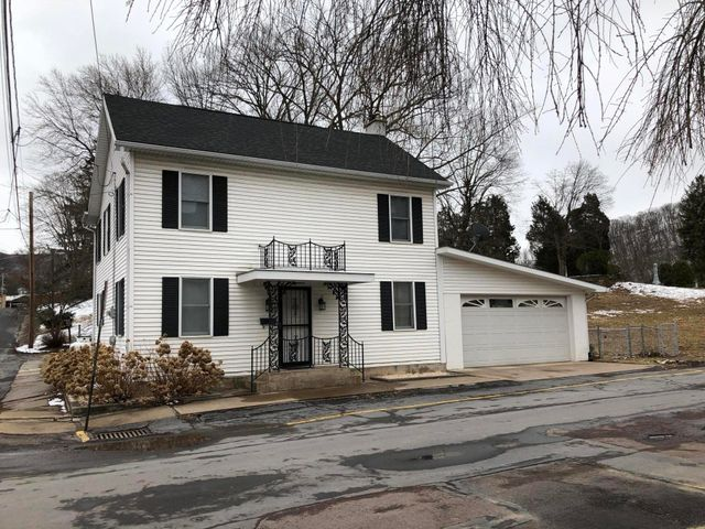 200 S 3rd Street, Catawissa, PA - USA (photo 3)
