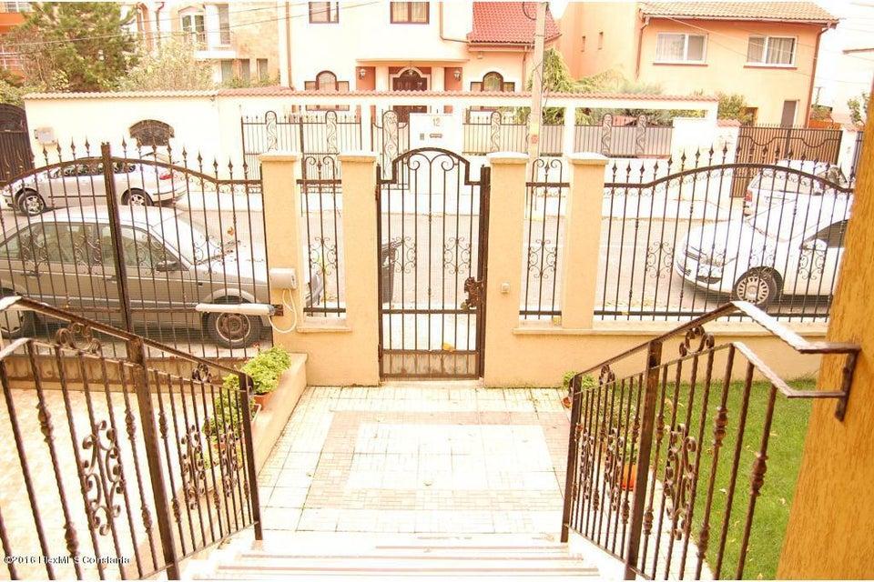 Vanzare Casa 368 m² - Tomis 2, Constanta - DSC_107336