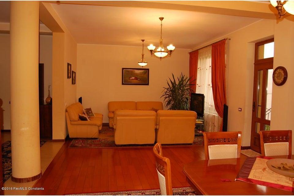 Vanzare Casa 368 m² - Tomis 2, Constanta - DSC_107341