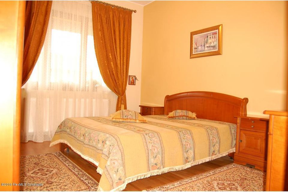 Vanzare Casa 368 m² - Tomis 2, Constanta - DSC_107344