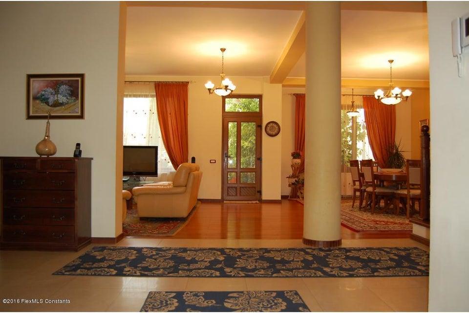 Vanzare Casa 368 m² - Tomis 2, Constanta - DSC_107338