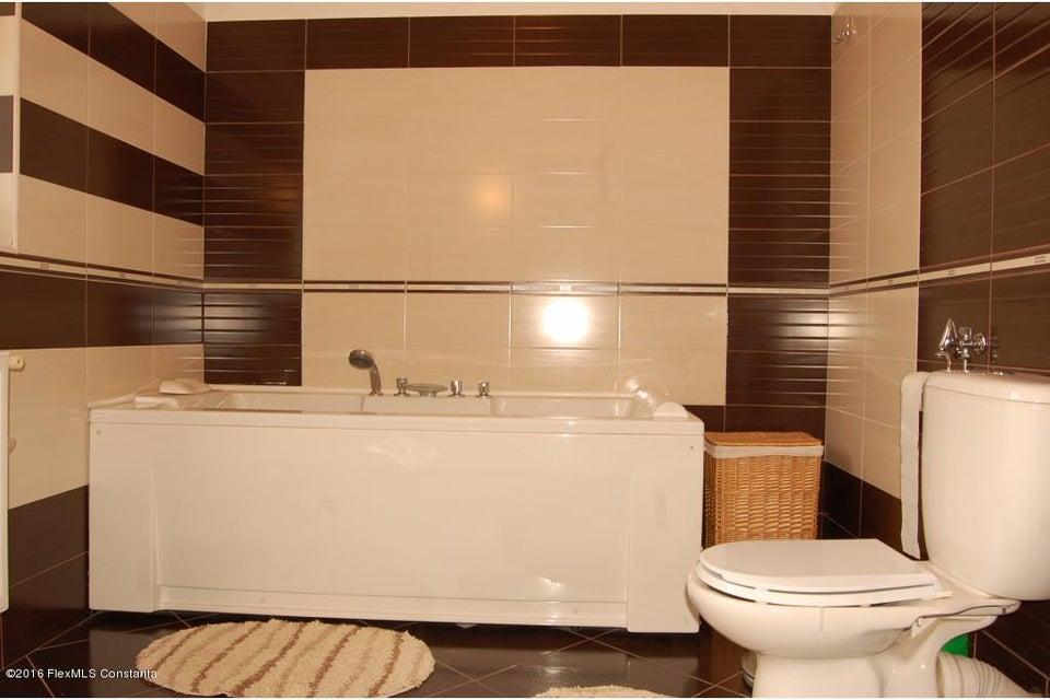 Vanzare Casa 368 m² - Tomis 2, Constanta - DSC_107348