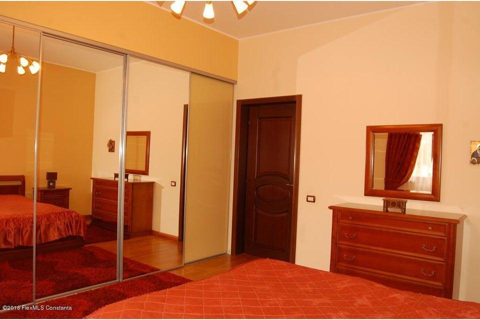 Vanzare Casa 368 m² - Tomis 2, Constanta - DSC_107349