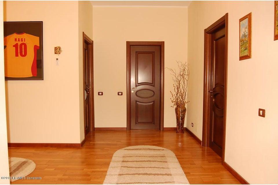 Vanzare Casa 368 m² - Tomis 2, Constanta - DSC_107352