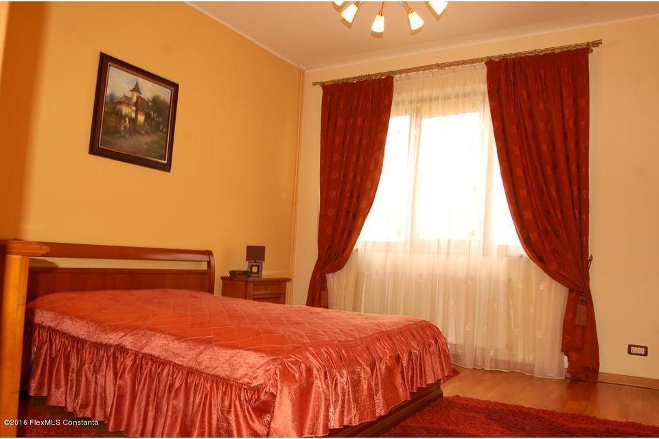 Vanzare Casa 368 m² - Tomis 2, Constanta - DSC_107354