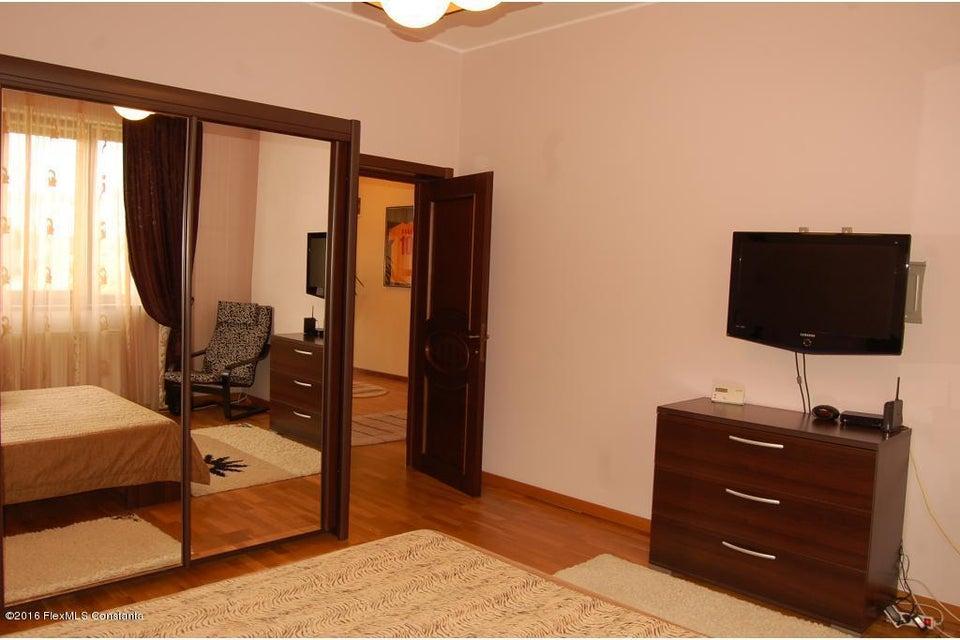 Vanzare Casa 368 m² - Tomis 2, Constanta - DSC_107355