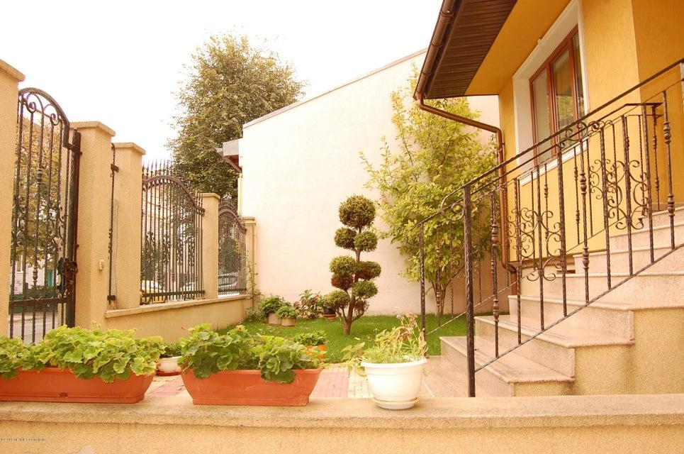 Vanzare Casa 368 m² - Tomis 2, Constanta - DSC_107367