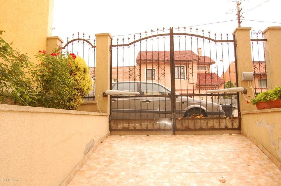 Vanzare Casa 368 m² - Tomis 2, Constanta - DSC_107370