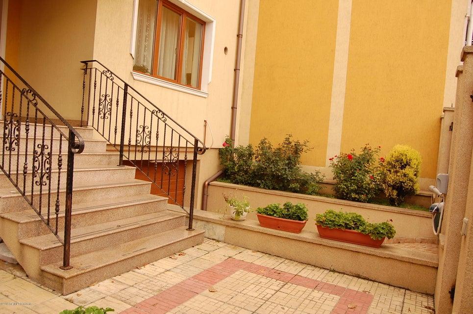 Vanzare Casa 368 m² - Tomis 2, Constanta - DSC_107368