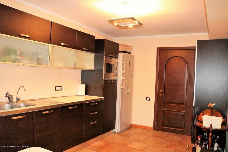 Vanzare Casa 177 m² - Tomis Plus, Constanta - DSC_111661