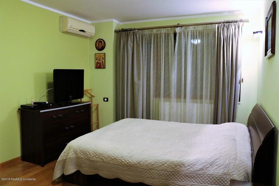 Vanzare Casa 177 m² - Tomis Plus, Constanta - DSC_111676