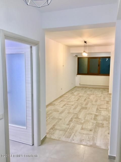 Vanzare Apartament 4 camere - Compozitorilor, Constanta - DSC_111858