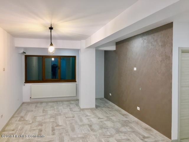 Vanzare Apartament 4 camere - Compozitorilor, Constanta - DSC_111859