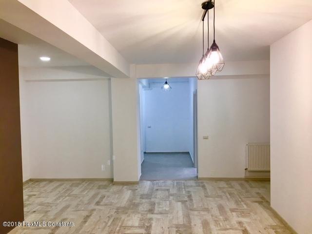 Vanzare Apartament 4 camere - Compozitorilor, Constanta - DSC_111860