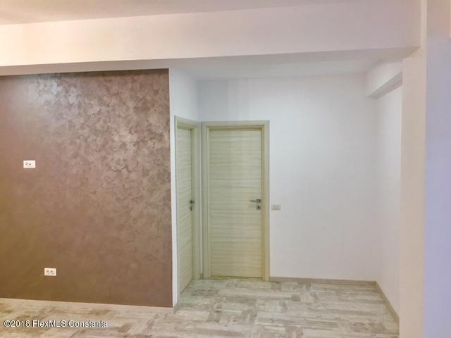 Vanzare Apartament 4 camere - Compozitorilor, Constanta - DSC_111863