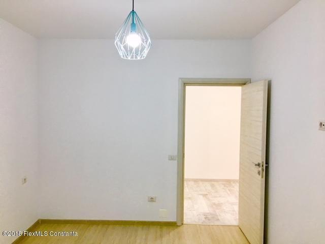 Vanzare Apartament 4 camere - Compozitorilor, Constanta - DSC_111868