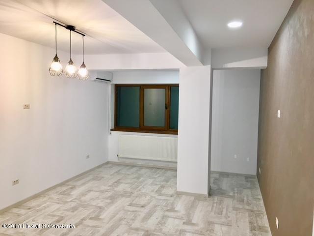 Vanzare Apartament 4 camere - Compozitorilor, Constanta - DSC_111874