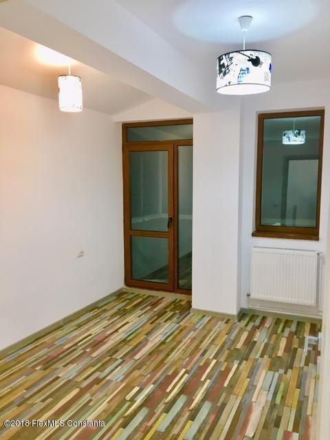 Vanzare Apartament 4 camere - Compozitorilor, Constanta - DSC_111877