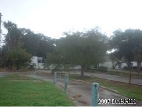 227 Ridgewood Avenue, Holly Hill, FL 32117