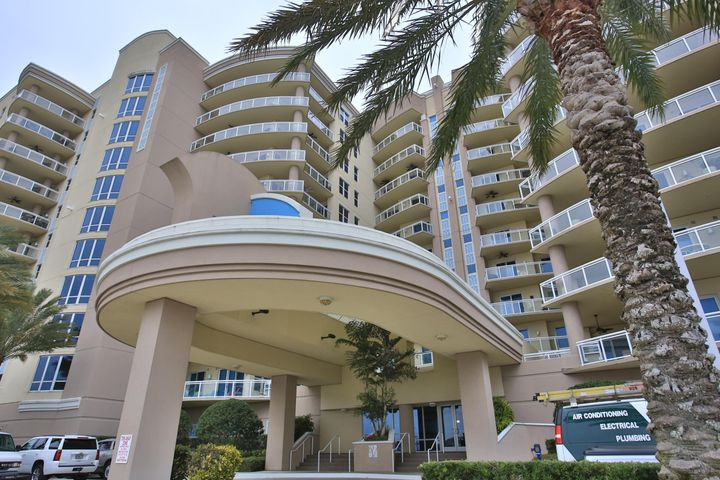 1925 S Atlantic Avenue, 204, Daytona Beach Shores, FL 32118