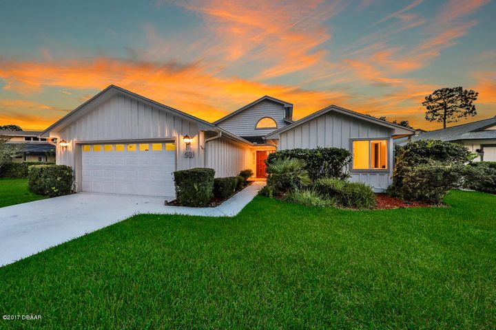 49 Treetop Circle, Ormond Beach, FL 32174