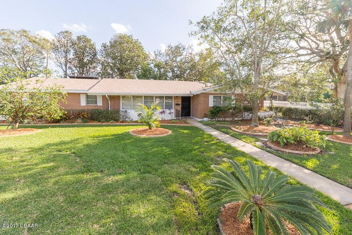 28 Woodhaven Circle, Ormond Beach, FL 32176