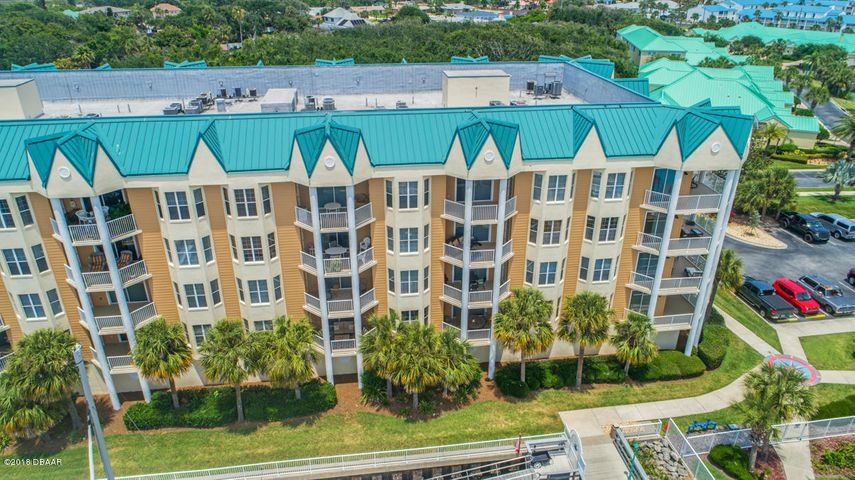 Beautiful Condo on Private Marina!