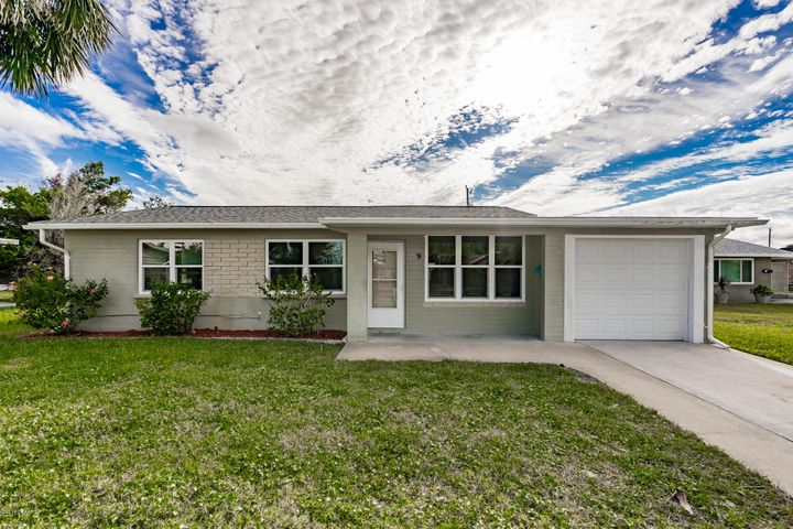 9 Tropical Drive, Ormond Beach, FL 32176