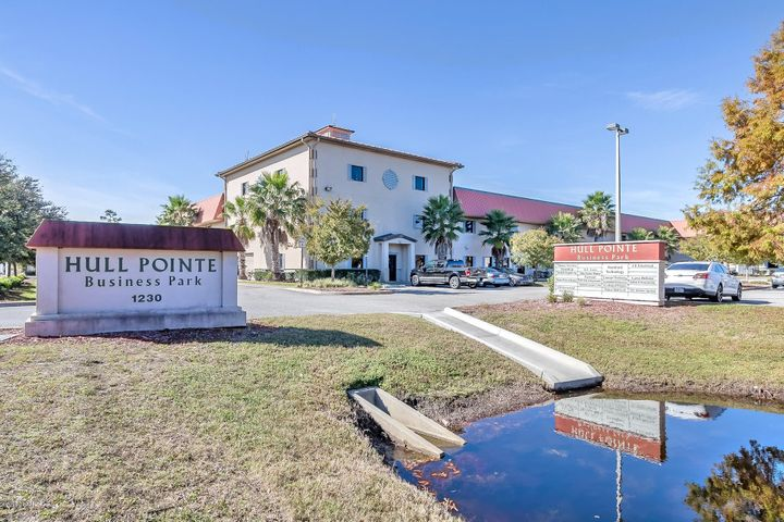Hull Point Mixed Used Condo