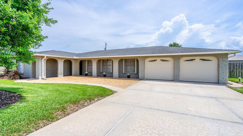 142 Sandcastle Drive, Ormond Beach, FL 32176