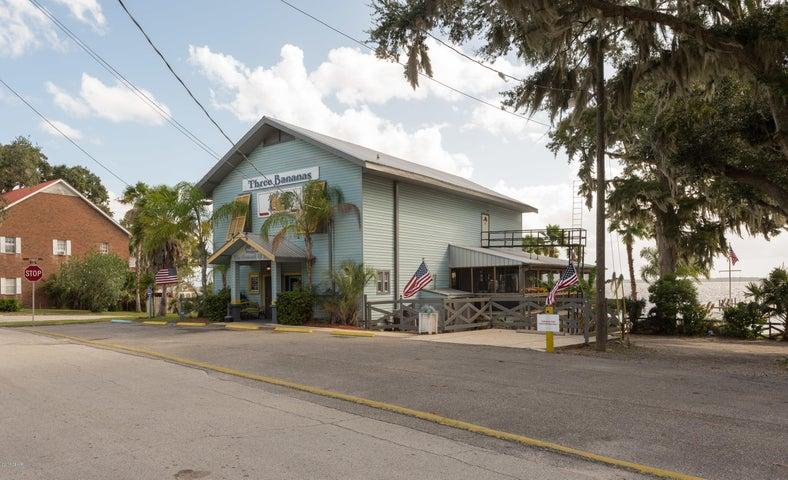 11 S Lake Street, Crescent City, FL 32112