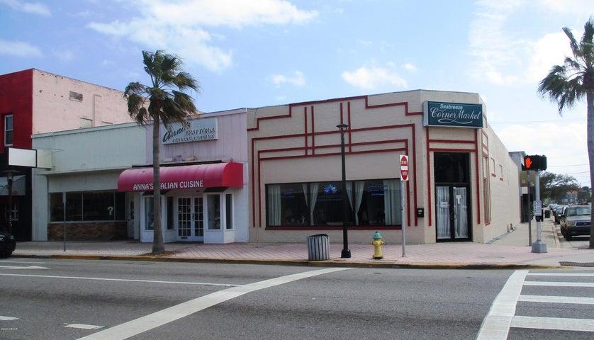 300 Seabreeze Boulevard, 304, Daytona Beach, FL 32118