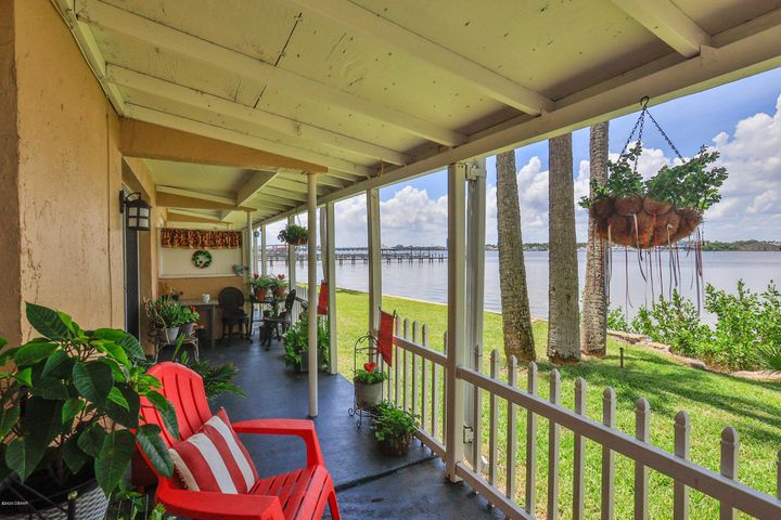 411 N Halifax Avenue, 112, Daytona Beach, FL 32118