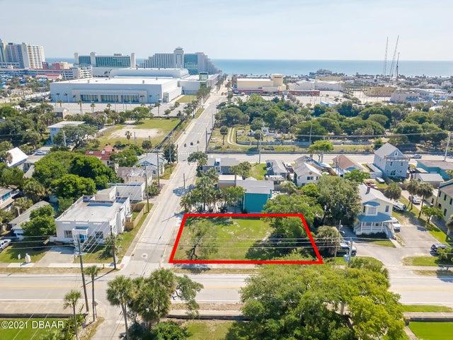 44 N Halifax Avenue, Daytona Beach, FL 32118