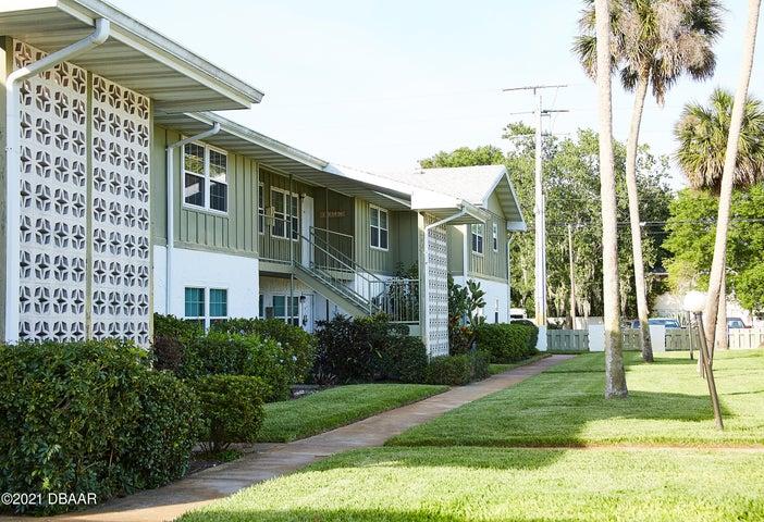 840 CENTER Avenue, 91, Holly Hill, FL 32117
