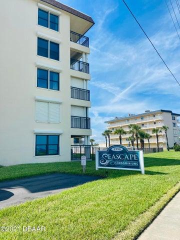 2290 OCEAN SHORE Boulevard, 101, Ormond Beach, FL 32176