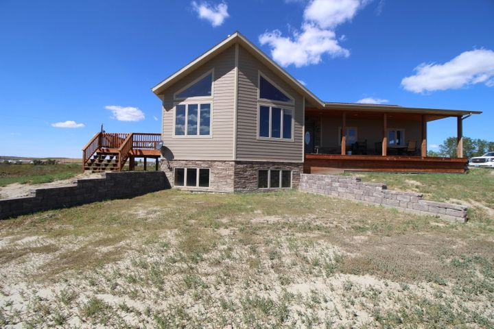 1898 125th Ave NW, Watford City, ND 58854