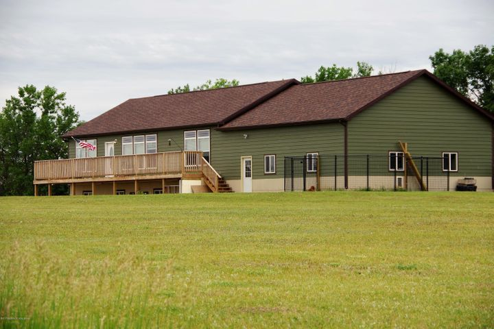 425 124th Ave NW, Grassy Butte, ND 58634