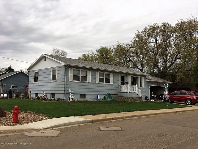 205 8th Avenue East, Dickinson, ND 58601